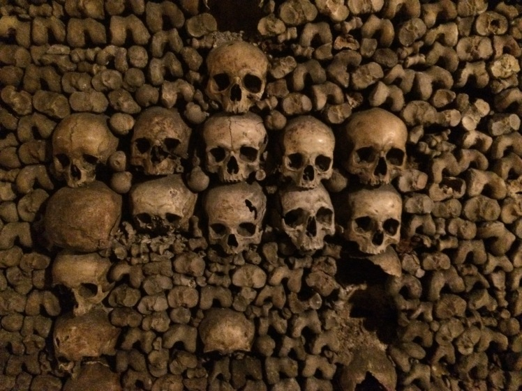 catacombs of paris creepy